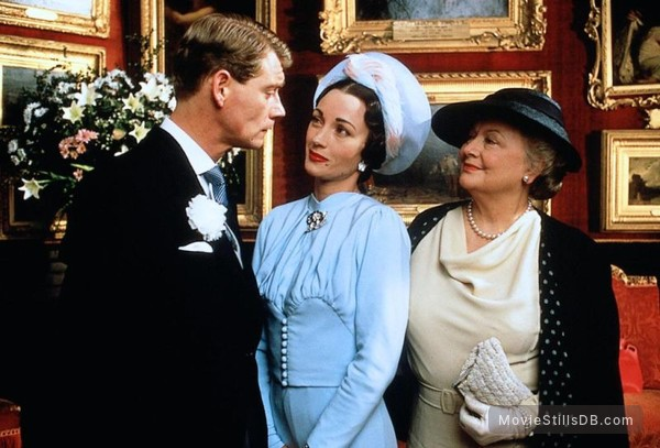 The Woman He Loved - Publicity still of Anthony Andrews, Jane Seymour & Olivia de Havilland