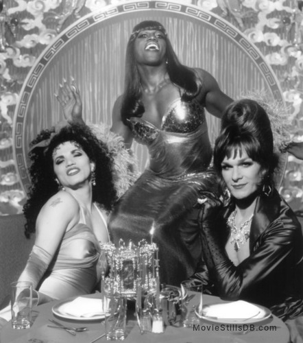 To Wong Foo Thanks for Everything, Julie Newmar - Publicity still of John Leguizamo, Wesley Snipes & Patrick Swayze