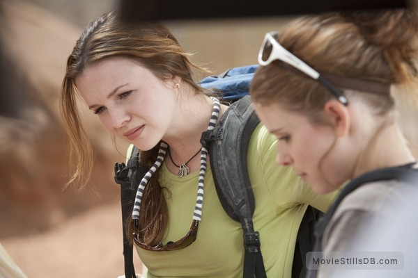 127 Hours - Publicity still of Amber Tamblyn & Kate Mara