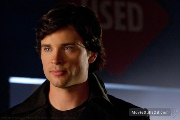 Smallville - Publicity still of Tom Welling