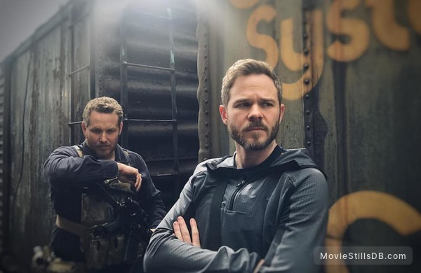 Acts of Violence - Publicity still of Shawn Ashmore & Cole Hauser