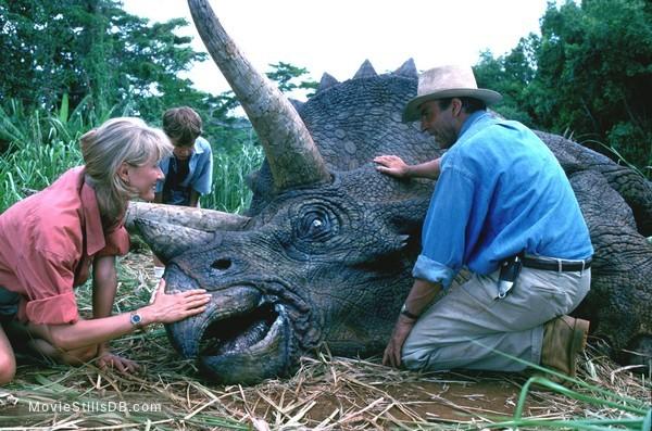 Jurassic Park - Publicity still of Sam Neill, Laura Dern & Joseph Mazzello