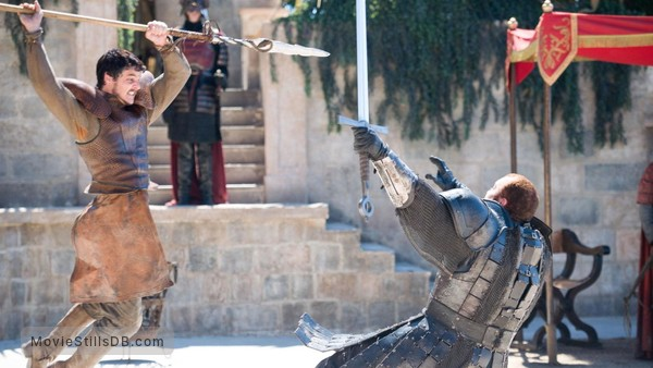 Game of Thrones - Publicity still of Pedro Pascal & Hafþór Júlíus Björnsson