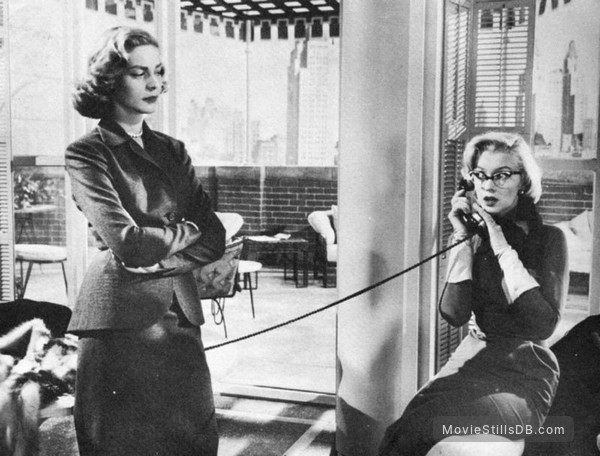 How to Marry a Millionaire - Publicity still of Marilyn Monroe & Lauren Bacall