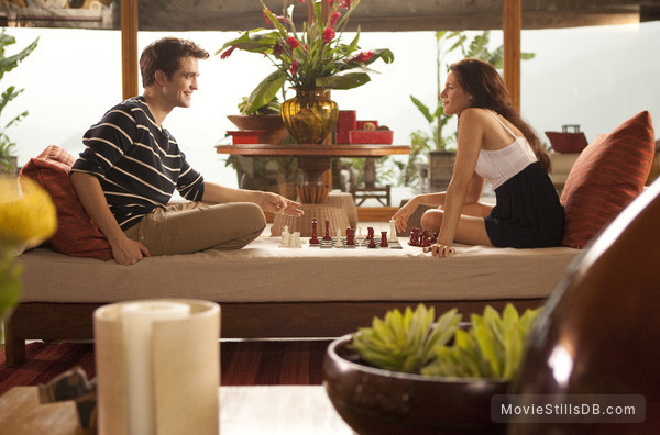The Twilight Saga: Breaking Dawn - Part 1 - Publicity still of Kristen Stewart & Robert Pattinson