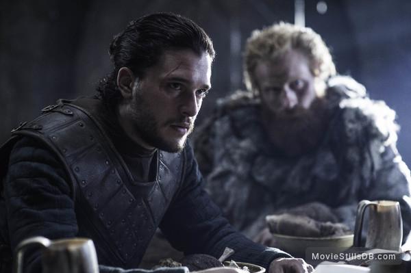 Game of Thrones - Publicity still of Kit Harington & Kristofer Hivju