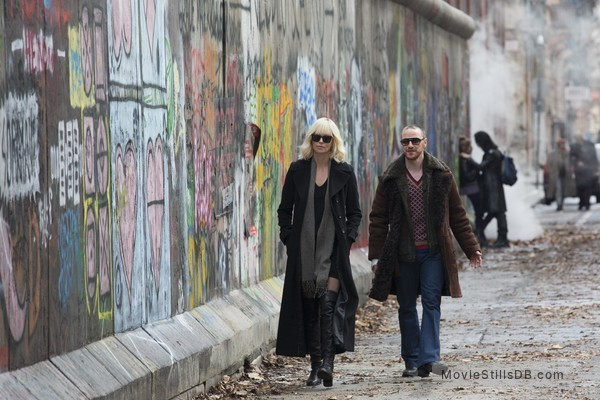Atomic Blonde - Publicity still of Charlize Theron & James McAvoy