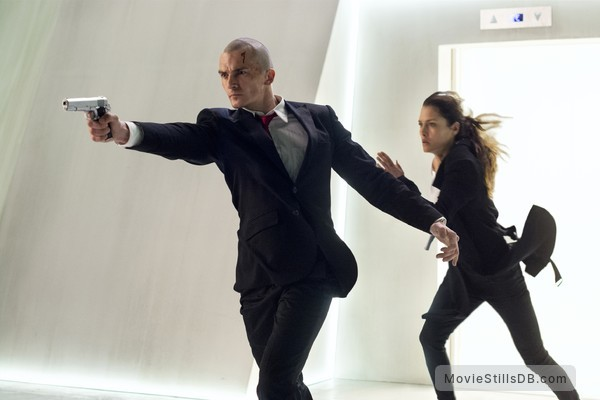 Agent 47 - Publicity still of Rupert Friend & Hannah Ware
