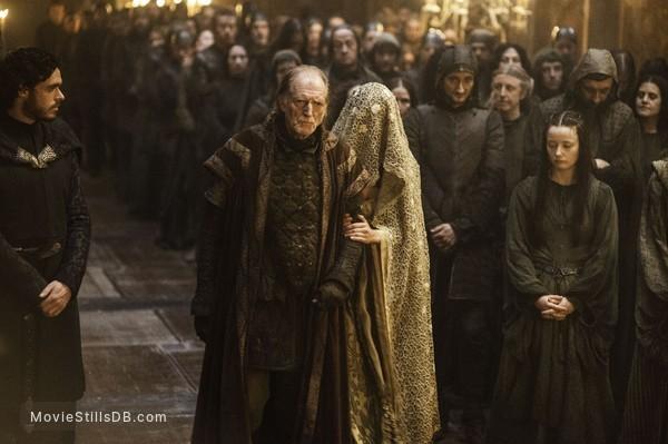 Game of Thrones - Publicity still of Richard Madden, David Bradley & Kelly Long