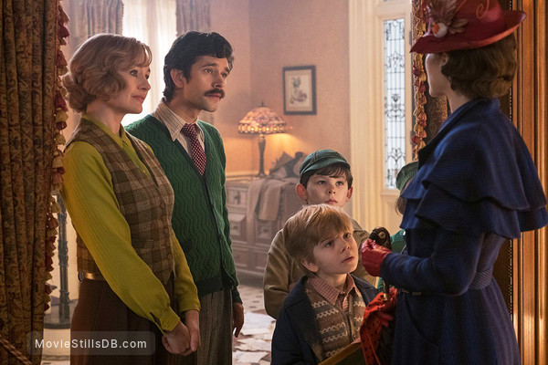 Mary Poppins Returns - Publicity still of Emily Mortimer, Ben Whishaw, Emily Blunt, Joel Dawson & Nathanael Saleh