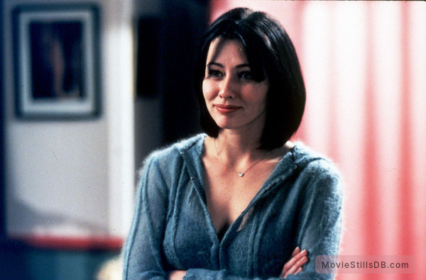 Charmed - Publicity still of Shannen Doherty