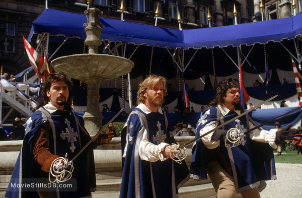 The Three Musketeers - Publicity still of Oliver Platt, Charlie Sheen & Kiefer Sutherland