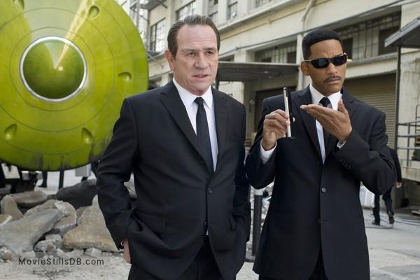 Men in Black 3 - Publicity still of Will Smith & Tommy Lee Jones
