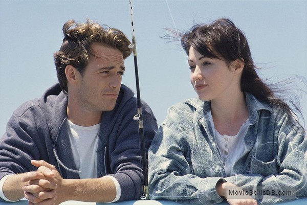 Beverly Hills, 90210 - Publicity still of Luke Perry & Shannen Doherty