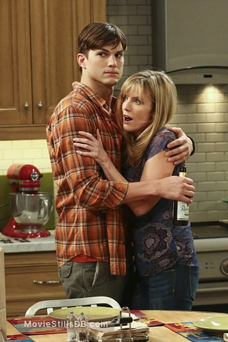 Thorne-smith half men two courtney and a Thorne