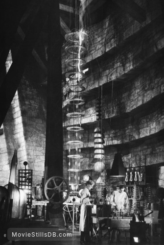 Bride of Frankenstein - Publicity still of Colin Clive & Ernest Thesiger