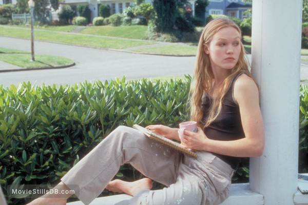 10 Things I Hate About You - Publicity still of Julia Stiles