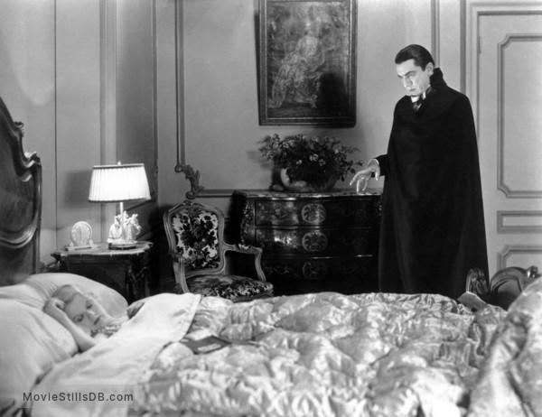 Dracula - Publicity still of Bela Lugosi & Frances Dade