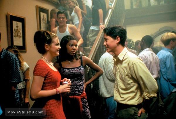 10 Things I Hate About You - Publicity still of Gabrielle Union, Joseph Gordon-Levitt & Larisa Oleynik