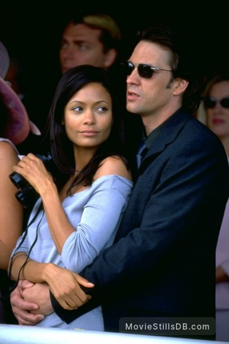 Mission: Impossible II - Publicity still of Dougray Scott & Thandie Newton