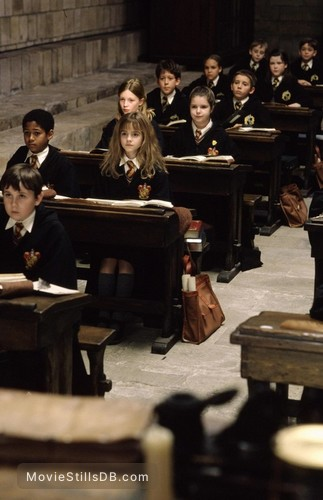Harry Potter and the Sorcerer's Stone - Publicity still of Emma Watson, Matthew Lewis & Alfred Enoch