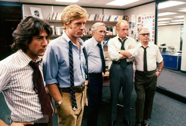 All the President's Men - Publicity still of Dustin Hoffman, Robert Redford, Jason Robards, Jack Warden & Martin Balsam