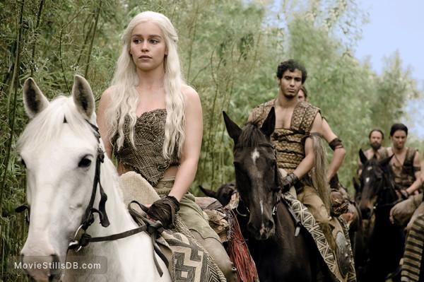 Game Of Thrones Episode 1x03 Publicity Still Of Emilia Clarke Elyes Gabel