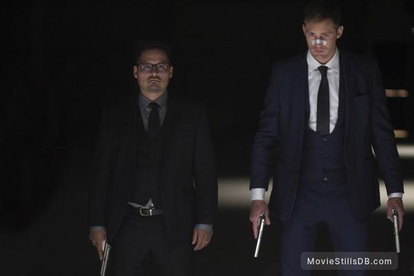 War on Everyone - Publicity still of Michael Peña & Alexander Skarsgård