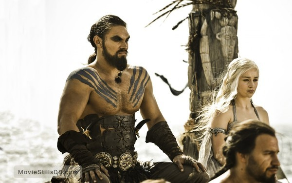 Game of Thrones - Publicity still of Emilia Clarke & Jason Momoa