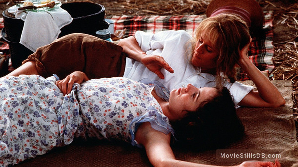 Fried Green Tomatoes - Publicity still of Mary Stuart Masterson & Mary-Louise Parker