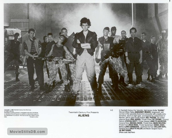 Aliens - Lobby card with Michael Biehn, Sigourney Weaver, Bill Paxton, Jenette Goldstein, Lance Henriksen, Paul Reiser, Tip Tipping, Cynthia Dale Scott, Mark Rolston, Ricco Ross, Daniel Kash, William Hope, Colette Hiller & Al Matthews