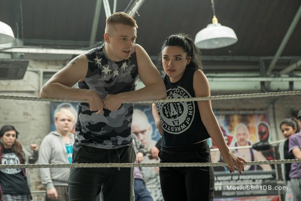 Fighting with My Family - Publicity still of Jack Lowden & Florence Pugh