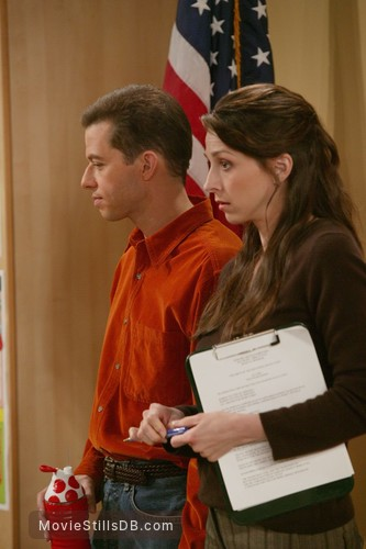 Two and a Half Men - Publicity still of Jon Cryer & Marin Hinkle