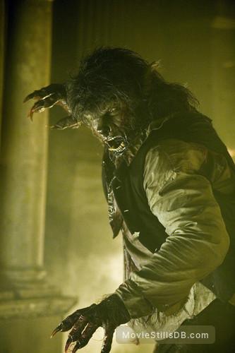 The Wolfman - Publicity still of Benicio del Toro