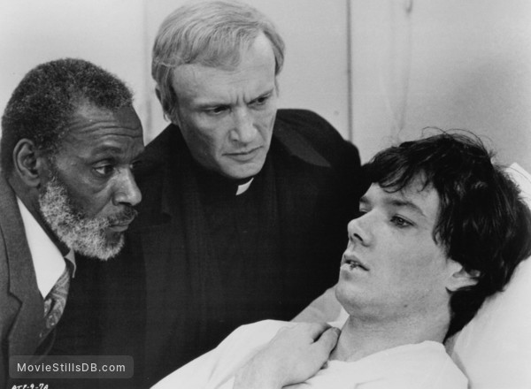 Amityville II: The Possession - Publicity still of Jack Magner, James Olson & Moses Gunn