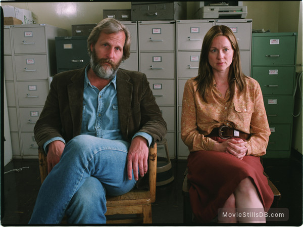 The Squid and the Whale - Publicity still of Laura Linney & Jeff Daniels