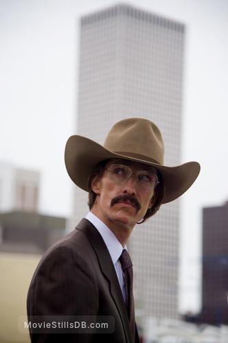 Dallas Buyers Club - Publicity still of Matthew McConaughey