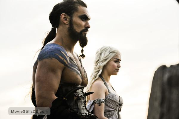 Game of Thrones - Publicity still of Emilia Clarke & Jason Momoa