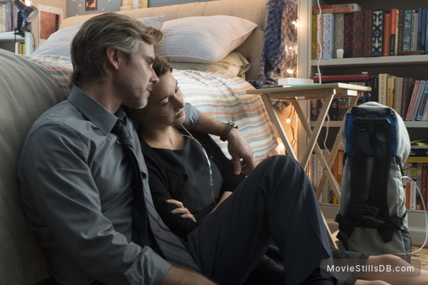 The Fault in Our Stars - Publicity still of Sam Trammell & Shailene Woodley