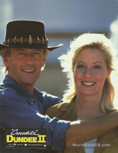 Crocodile Dundee Ii Lobby Card With Paul Hogan Linda Kozlowski