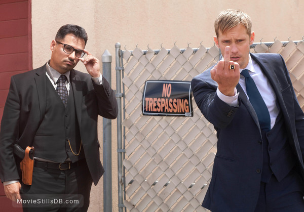 War on Everyone - Publicity still of Michael Peña & Alexander Skarsgård
