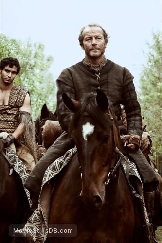 Game Of Thrones Episode 1x03 Publicity Still Of Iain Glen Elyes Gabel