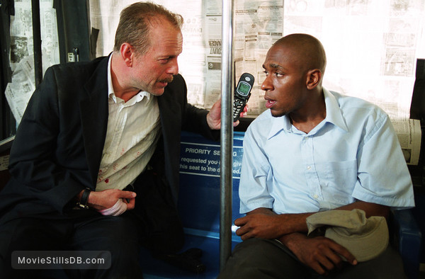 16 Blocks - Publicity still of Bruce Willis & Yasiin Bey