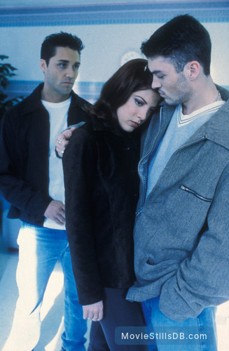 Beverly Hills, 90210 - Publicity still of Tori Spelling, Brian Austin Green & Vincent Young