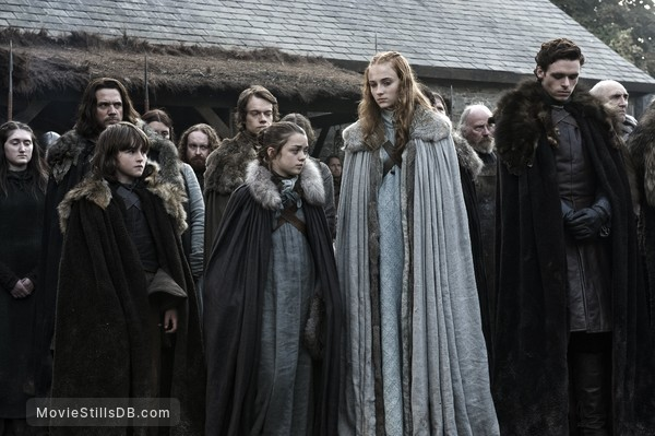 Game of Thrones - Publicity still of Sophie Turner, Maisie Williams, Isaac Hempstead-Wright, Richard Madden, Alfie Allen, Jamie Sives & Donald Sumpter