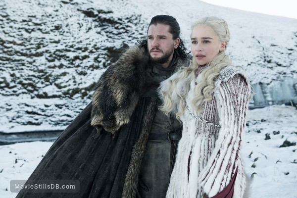 Game of Thrones - Publicity still of Emilia Clarke & Kit Harington