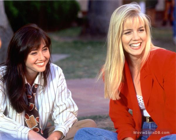 Beverly Hills, 90210 - Publicity still of Shannen Doherty & Jennie Garth
