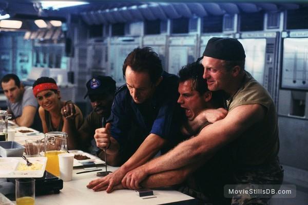 Aliens - Publicity still of Lance Henriksen, Bill Paxton, Jenette Goldstein, Al Matthews & Mark Rolston