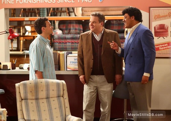 The Goldbergs - Publicity still of Troy Gentile, Jeff Garlin & Cedric Yarbrough