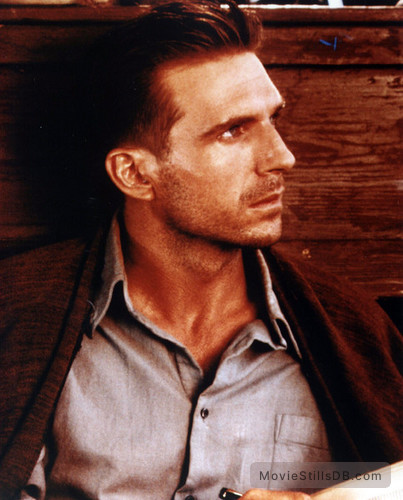 The English Patient - Publicity still of Ralph Fiennes